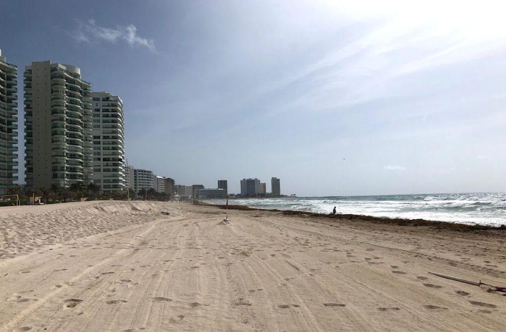 Cancun Zona Hotelera beach